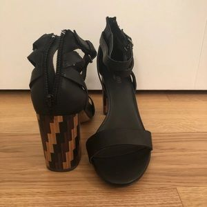 Patterned Sandal Heel